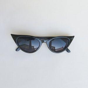 Accessories - Extreme Cat Eye Sunglasses Black Halloween Costume